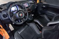 Abarth 500 595c Competizione - wnętrze