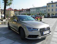 Audi A7 - widok z boku i przodu