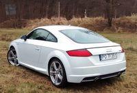 Audi TT 2.0 TFSI quattro S tronic - widok z tyłu i boku