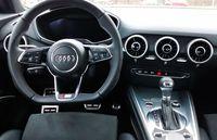 Audi TT 2.0 TFSI quattro S tronic - wnętrze