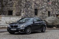 BMW 220i Coupe - z przodu i boku