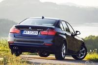 BMW 325d - tył auta