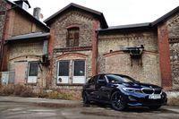BMW 330e - z przodu