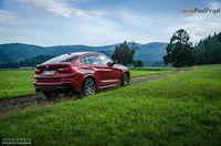 BMW X4 M40i - sylwetka z tyłu