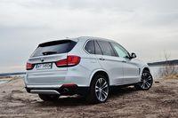 BMW X5 xDrive25d - z tyłu