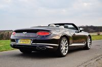 Bentley Continental GT V8 Convertible - z tyłu