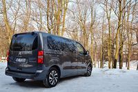 Citroen SpaceTourer 2.0 BlueHDi EAT6 Shine - z tyłu i boku