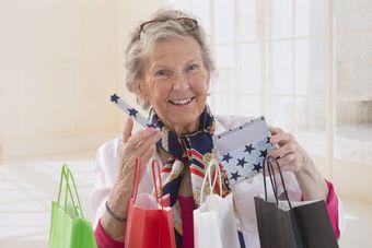 W Dzień Seniora przypominamy 6 zasad rozsądnego kupowania