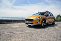 Ford Fiesta Active - z przodu