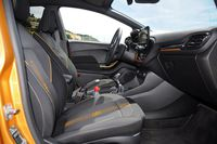 Ford Fiesta Active - fotele