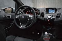 Ford Fiesta ST200 - wnętrze
