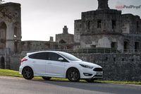 Ford Focus ST-line 1.5 Ecoboost - z boku