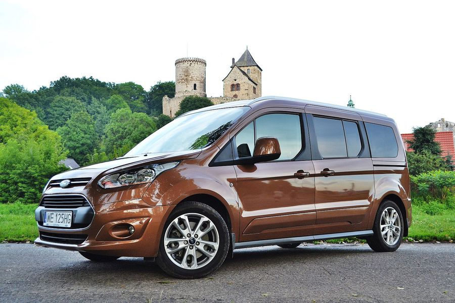 ford grand tourneo connect 1 6 tdci titanium widok z boku. Black Bedroom Furniture Sets. Home Design Ideas