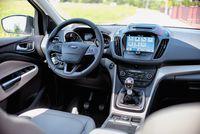 Ford Kuga 2.0 Tdci - wnętrze, fot.2