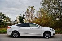 Ford Mondeo Hybrid Vignale - bok