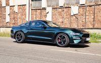 Ford Mustang Bullitt - z przodu i boku