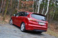 Ford S-MAX 1.5 EcoBoost Titanium - z tyłu