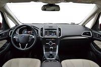 Ford S-MAX 1.5 EcoBoost Titanium - wnętrze