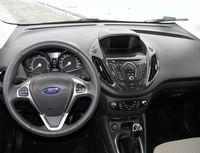 Ford Tourneo Courier 1.6 TDCi Titanium - wnętrze