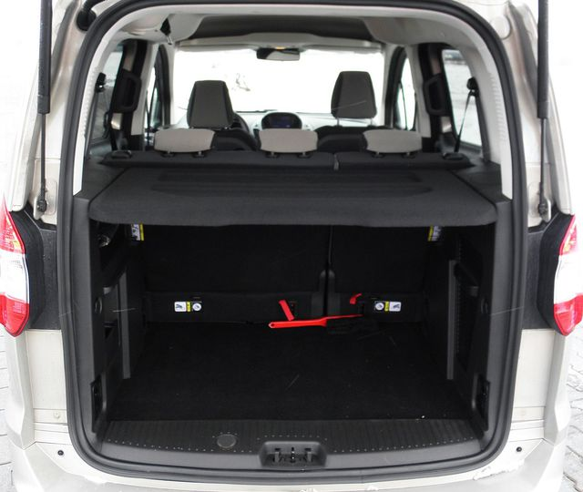 ford tourneo courier 1 6 tdci titanium baga nik. Black Bedroom Furniture Sets. Home Design Ideas