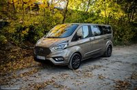 Ford Tourneo Custom - z przodu i boku
