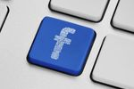 Komercjalizacja Google i Facebooka
