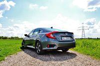 Honda Civic 4D - z tyłu