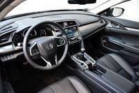 Honda Civic 4D - wnętrze
