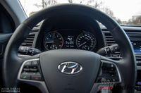 Hyundai Elantra 1.6 128 KM - kierownica