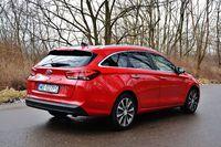 Hyundai i30 Wagon 1.4 T-GDI 7DCT Premium - z tyłu