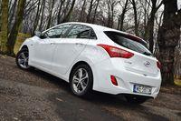 Hyundai i30 1.6 CRDi DCT Comfort - z tyłu