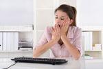 Nuda w pracy w mediach społecznościowych