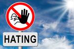 Hejting w sieci: Internauci chcieliby z nim walczyć