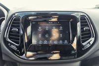 Jeep Compass 2.0 140 KM - ekran