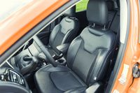 Jeep Compass 2.0 140 KM - fotele