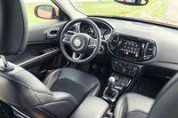 Jeep Compass 2.0 140 KM - wnętrze