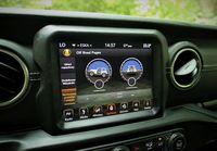 Jeep Wrangler Sahara - ekran