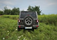 Jeep Wrangler Sahara - tył