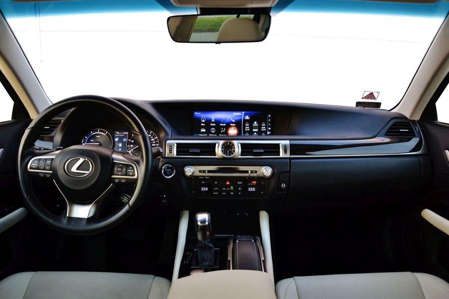 Lexus Gs 300h Elegance Wnętrze