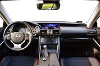 Lexus IS 300h Black - wnętrze