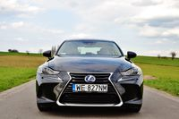 Lexus IS 300h Black - przód
