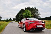 Lexus LC 500h Superturismo - sylwetka z tyłu