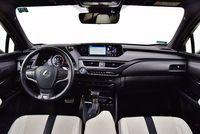 Lexus UX 250h F Sport - deska rozdzielcza