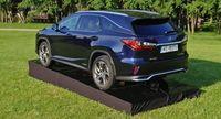 Lexus RX - z tyłu i boku