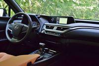 Lexus UX - wnętrze