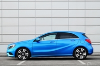 Mercedes A180 CDI BlueEFFICIENCY 7G-DCT, widok z boku