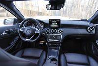 Mercedes A220 4matic - wnętrze