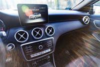 Mercedes A220 4matic - ekran