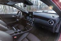 Mercedes A220 4matic - wnętrze, fot.2