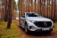 Mercedes-Benz EQC 400 4MATIC - z przodu